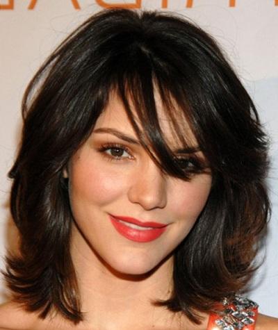 katherine mcphee layered hairstyle casual everyday careforhair