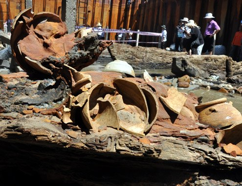 Experts said the 700-year-old ship was in fire before sinking in Binh Chau. The traces of the fire were left in some compartments.