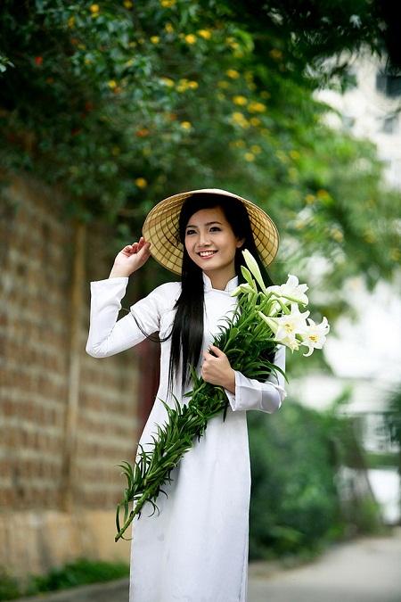 Image result for Vietnamese girl in ao dai