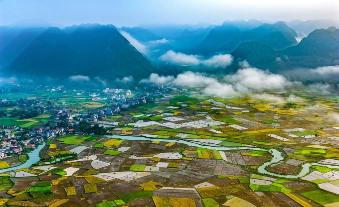 Bac Son valley attractive to tourists in rice harvest season, travel news, Vietnam guide, Vietnam airlines, Vietnam tour, tour Vietnam, Hanoi, ho chi minh city, Saigon, travelling to Vietnam, Vietnam travelling, Vietnam travel, vn news
