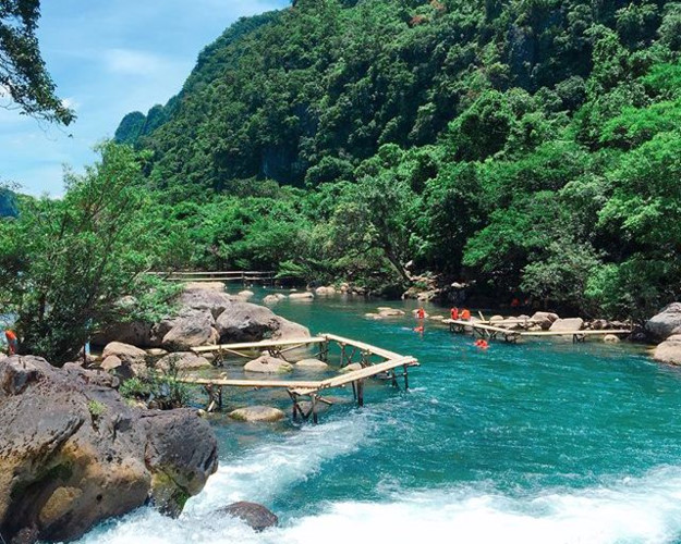 Stunning beauty of Nuoc Mooc Stream in Quang Binh, travel news, Vietnam guide, Vietnam airlines, Vietnam tour, tour Vietnam, Hanoi, ho chi minh city, Saigon, travelling to Vietnam, Vietnam travelling, Vietnam travel, vn news