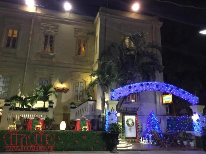Hanoi & HCMC streets sparkling ahead of Christmas, social news, vietnamnet bridge, english news, Vietnam news, news Vietnam, vietnamnet news, Vietnam net news, Vietnam latest news, vn news, Vietnam breaking news