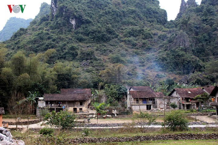 Discover Khuoi Ky rock village in Cao Bang, travel news, Vietnam guide, Vietnam airlines, Vietnam tour, tour Vietnam, Hanoi, ho chi minh city, Saigon, travelling to Vietnam, Vietnam travelling, Vietnam travel, vn news