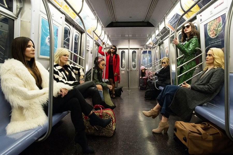 瞞天過海:八面玲瓏-好萊塢女星的時尚秀,女影迷們的名牌包┃影評