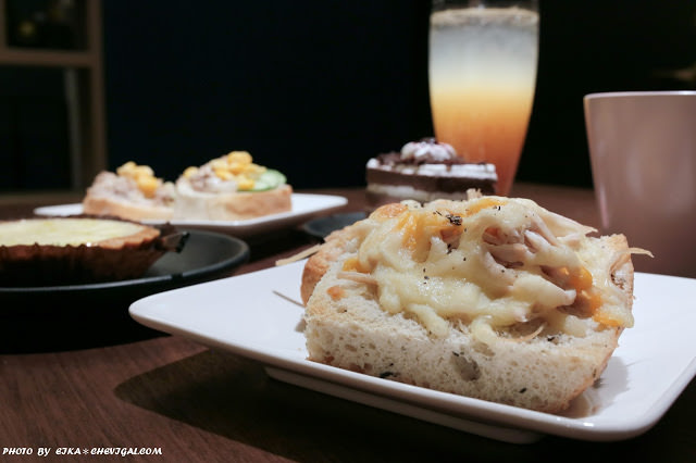 台中南屯│YH Cafe*敘舊洽公新選擇,好吃軟法與佛卡夏麵包,搭配衣索比亞咖啡豆香很合拍!
