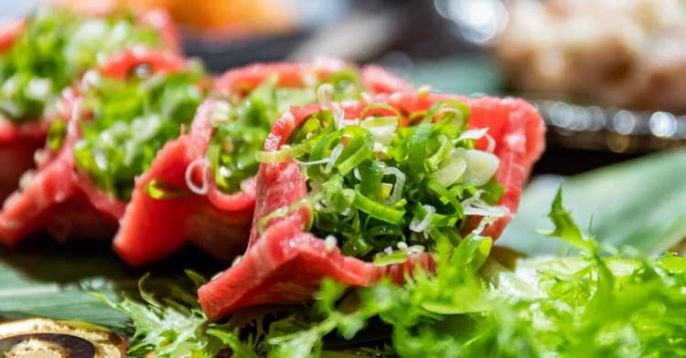 全台首見!日本超夯厚切口袋牛舌只有這裡吃得到!大啖燒肉還能欣賞美麗櫻花好浪漫