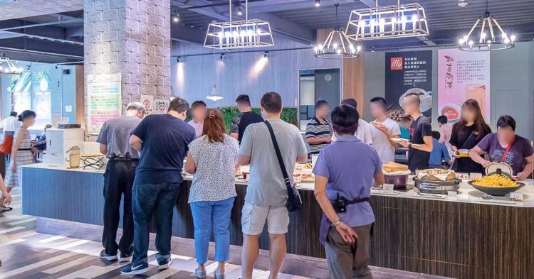 陶然左岸健康蔬食│台中人氣蔬食吃到飽,還沒開門就排隊!將近100道菜色、披薩、甜點、飲品與冰淇淋任你吃