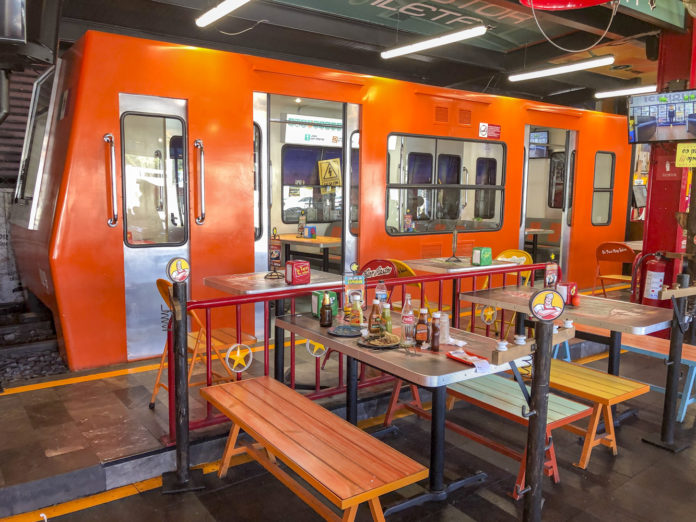 the taqueria del Metro