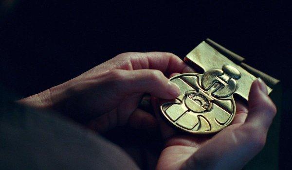 Han's medal in The Rise of Skywalker