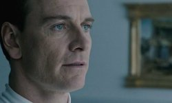 How Michael Fassbender Feels About That Shocking Alien: Covenant Kiss
