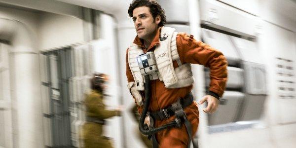 Star Wars: The Last Jedi Oscar Issac Poe Dameron sprints into action