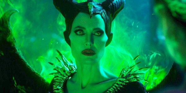 Maleficent glows green in Maleficent mistress of evil
