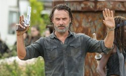 Why The Strolling Lifeless's Andrew Lincoln Doesn't Pay Consideration To Opinions