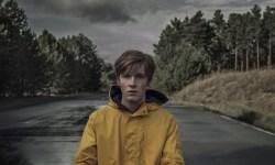 Netflix's Thriller Darkish Has A Creepy As Hell New Trailer