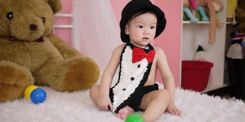 ▌三寶媽碎碎念▌送給小王子一歲禮物! 寶寶寫真&全家福♥ 板橋超脫兒童攝影寫真♥拍攝花絮