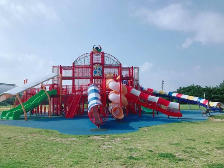 ▌沖繩自由行▌沖繩綜合運動公園~遛孩子的好去處一次玩到七種溜滑梯