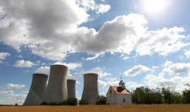 White & Case colossus attacks 'nuclear contract'