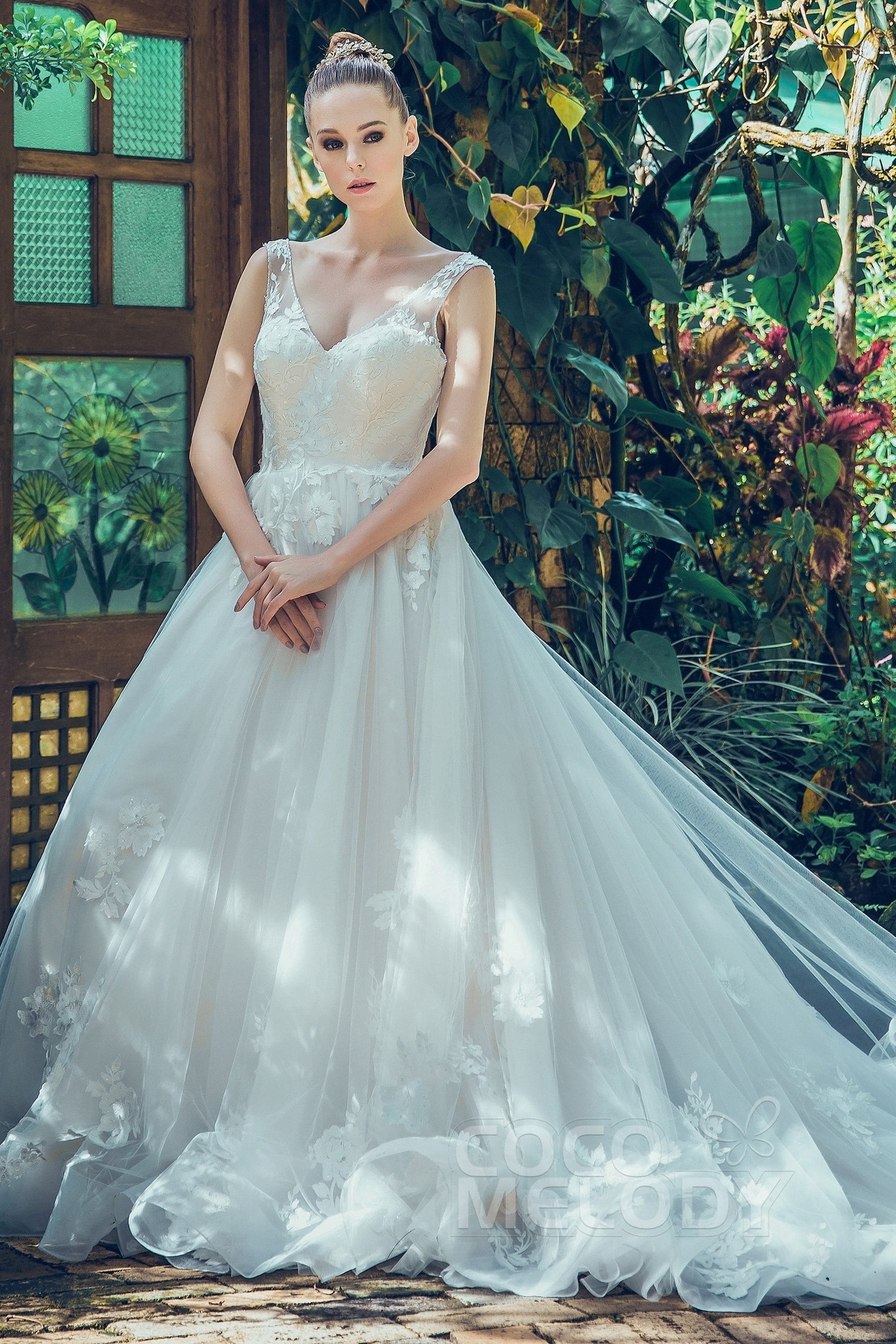 A Line V Neck Chapel Train Tulle Wedding Dress LD5714