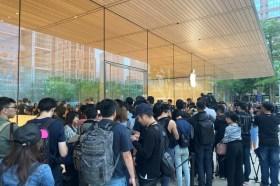 蘋果iPhone 11系列新機今日開賣 新色搶手甚至一機難求!