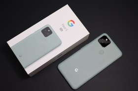 時尚耀眼的 Google Pixel 5 「灰綠色」版開箱與功能分享!