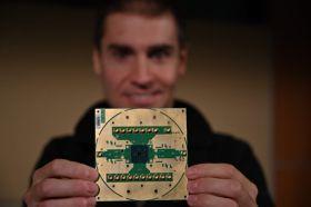 英特爾與QuTech攜手公布首款低溫量子運算控制晶片「Horse Ridge」