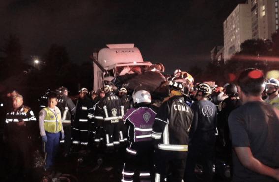sube 10 muertos tras accidente trailer en santa fe 1