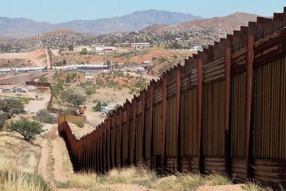 ley chapo de republicanos para que paguen el muro fronterizo 1