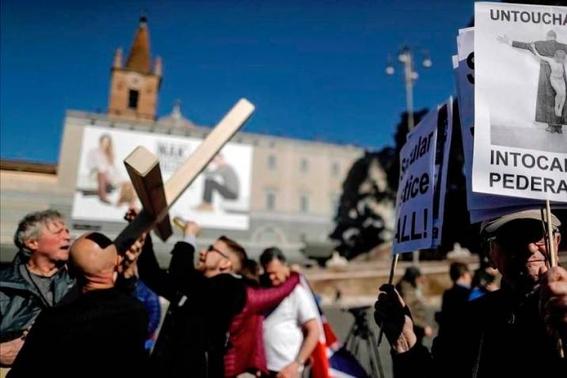 clero catolico habria abusado de al menos 10 mil ninos en francia 1