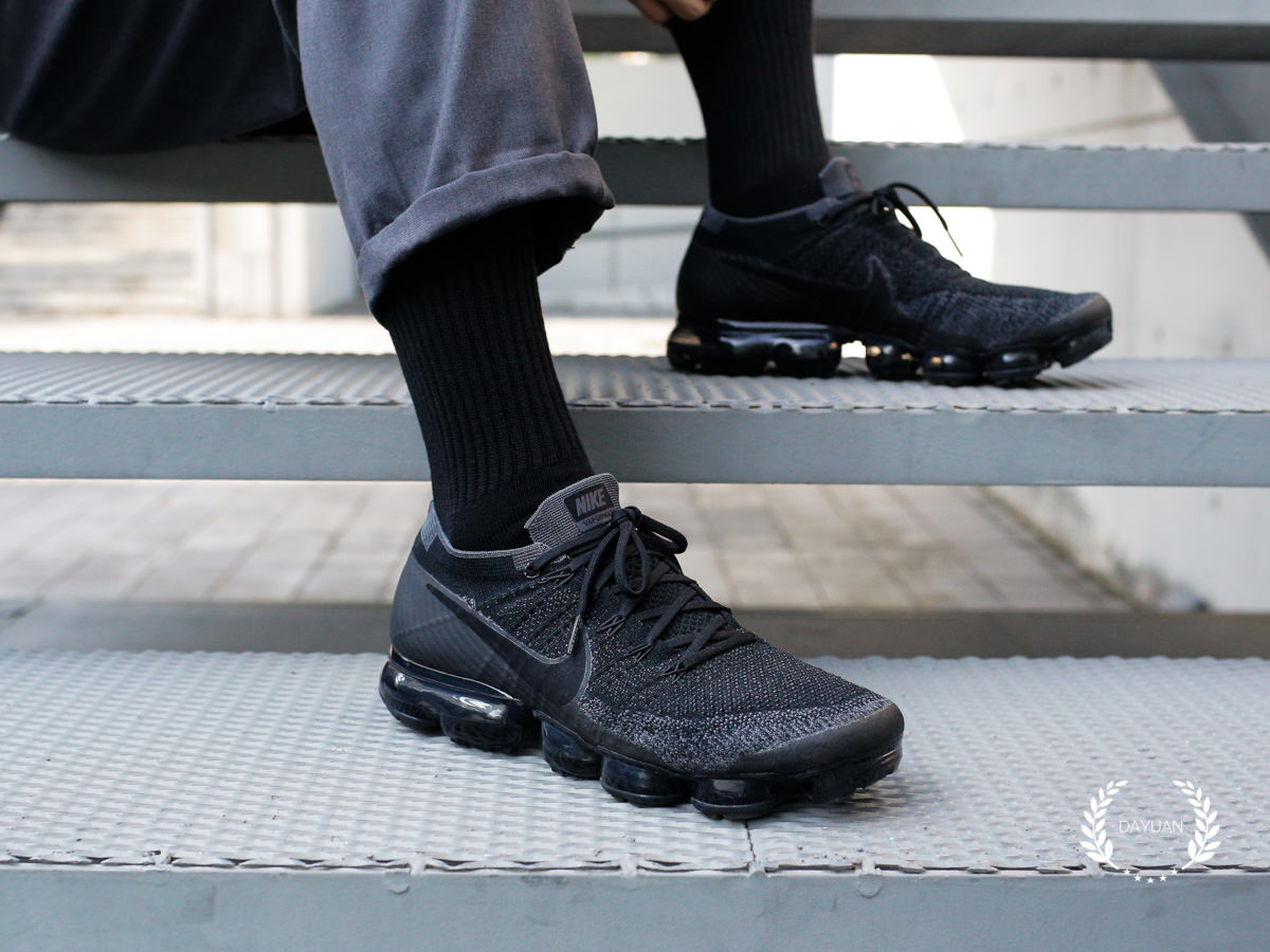 huge selection of 6be91 b0862 帥鞋|Nike Air VaporMax Triple Black 2.0入手心得與穿搭建議 ...