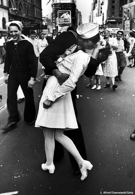 Foto Iconica de un beso en New York