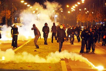 Paris rioters in 2008