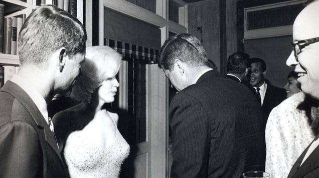 10 шокирующих подробностей о смерти Мэрилин Монро, о которых Вы никогда не знали!