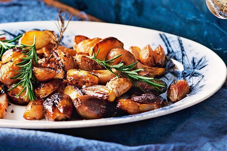 Balsamic roast potatoes