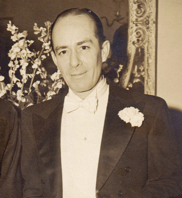 Was Cosme McMoon gay straight or married? Who was Cosme McMoon married to?