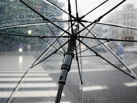 [霧切酢] 傘に雨が当たる音、バイノーラル録音