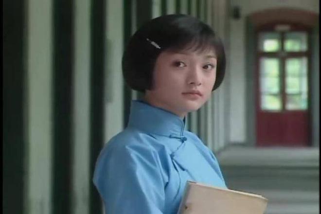 Ngẩn ngơ tạo hình thi sĩ Châu Tấn 21 năm trước, để kiểu tóc Chaiko vẫn bùng nổ visual - 15