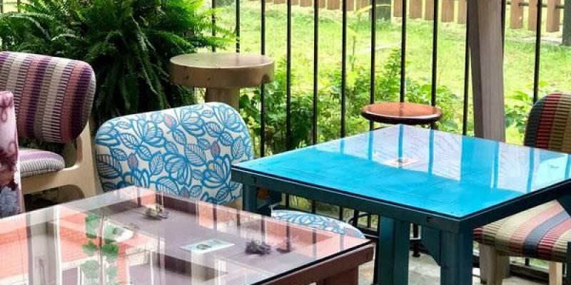 「台北大同區」迪化街裡也有超美的花園咖啡廳~店內不僅可以享受下午茶外還有提供住宿「D.G. Café」