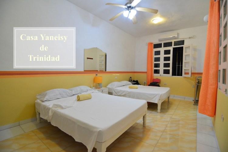 古巴千里達住宿推薦   Casa Yaneisy舊城區中寬敞明亮插座超多的民宿