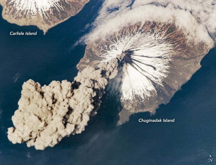 At 3:00 p.m. Alaska Daylight Time on May 23, 2006, flight engineer Jeff Williams from International Space Station (ISS) Expedition 13 contacted the Alaska Volcano Observatory (AVO) to report that the Cleveland Volcano had produced a plume of ash. Shortly after the activity began, he took this photograph.