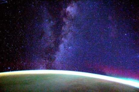 Milky Way and Earth Feature in Stunning Space Station Photo