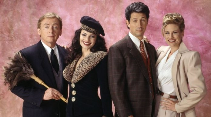 Fran Drescher with the cast of 'The nanny'
