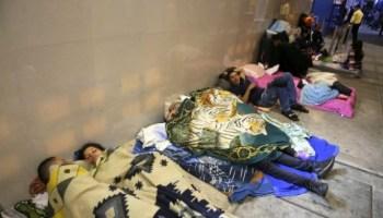 Cerca de 600 venezolanos están varados en puesto fronterizo de Tumbes