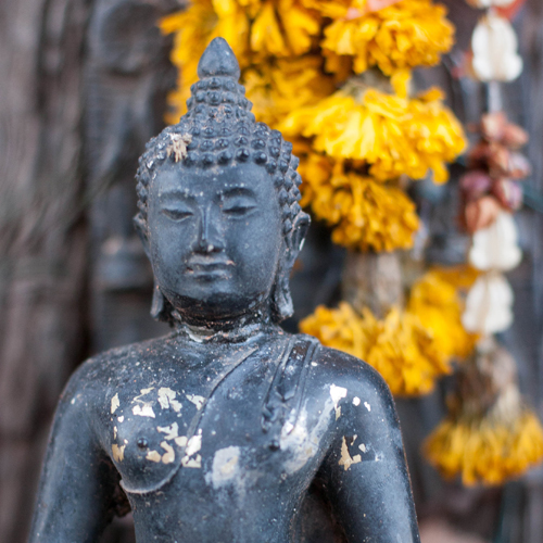 6 Reasons Not To Place A Buddha Statue On The Floor