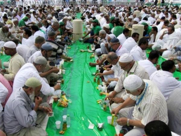Mekkah - suasana buka di Masjidil Haram