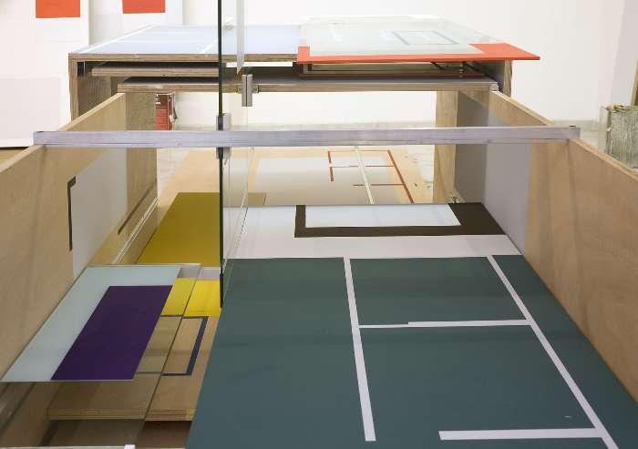 Fábio Miguez propõe um jogo incessante para o olhar em que as formas ficam em aberto