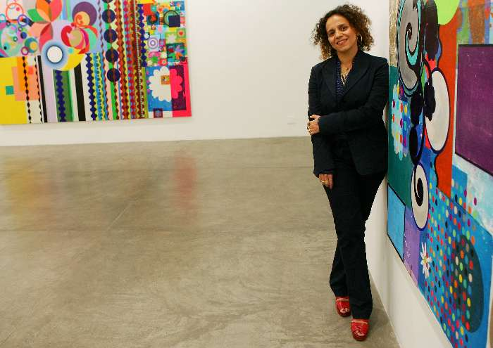 Artista plástica Beatriz Milhazes apresenta suas obras na Galeria Fortes Vilaça