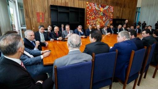 Presidente Michel Temer em reunião com líderes da base - Foto: Alan Santos/PR
