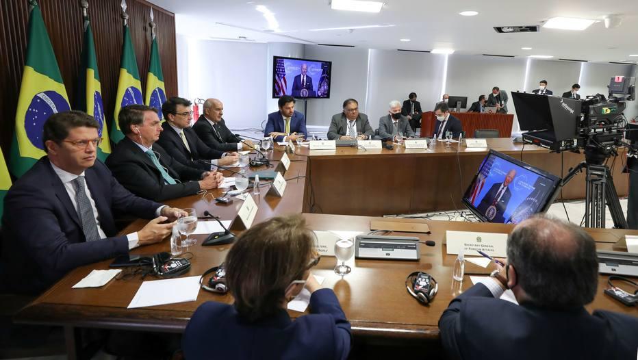 Em discurso na cúpula do clima, Bolsonaro distorce dados sobre preservação  ambiental