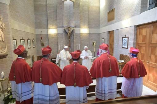 Papa Francisco nomeia cinco novos cardeais