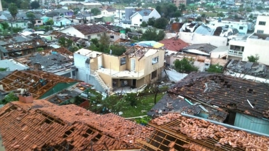 Tornado atingiu a cidade de Xanxerê na tarde desta segunda-feira, 20